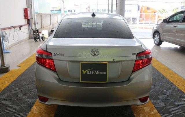 Cần bán xe Toyota Vios E 1.5AT sản xuất 2017, màu bạc2