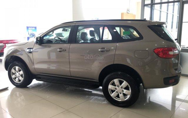 Bán Ford Everest nhập khẩu nguyên chiếc Thái Lan, quà tặng khủng, giá niêm yết 999tr2