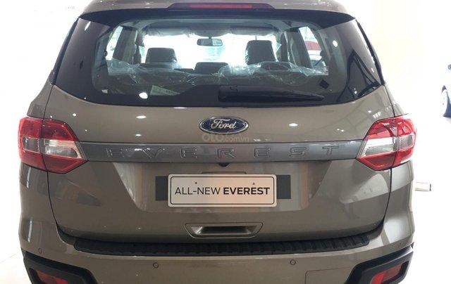 Bán Ford Everest nhập khẩu nguyên chiếc Thái Lan, quà tặng khủng, giá niêm yết 999tr3
