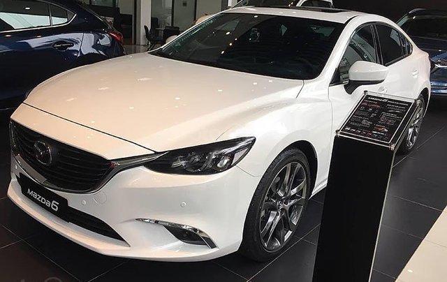 Bán xe Mazda 6 2.0L Premium sản xuất năm 2019, màu trắng, giá tốt0