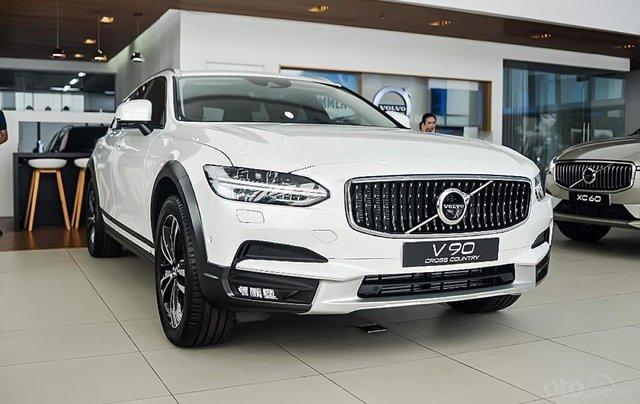 Bán Volvo V90 Cross County T6 AWD đời 2019, màu trắng, nhập khẩu0
