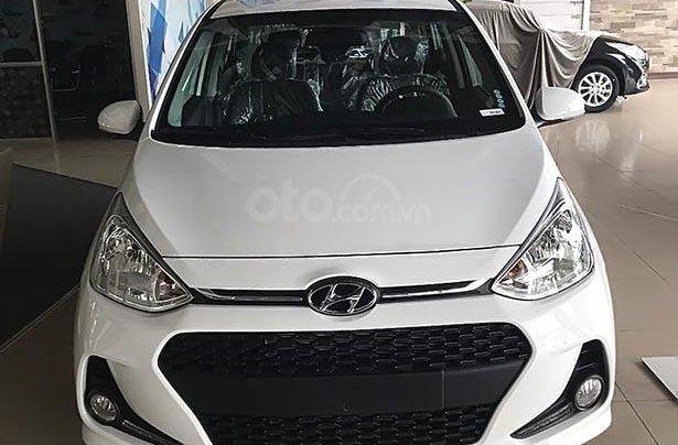 Bán Hyundai Grand i10 1.2 AT 2019, màu trắng, 403 triệu0