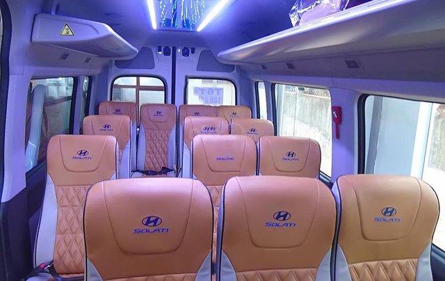 Cần bán xe Hyundai Solati H350 2.5 MT đời 2019, màu bạc1