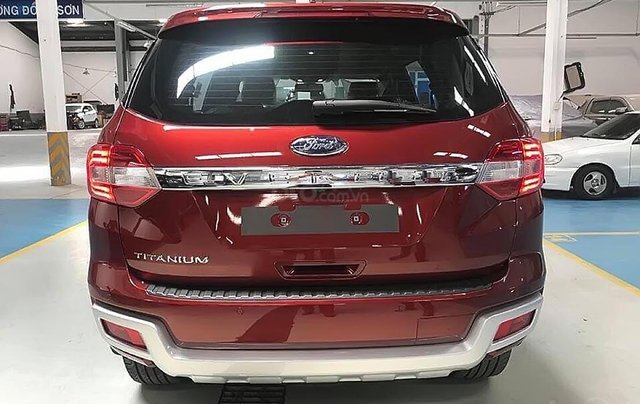 Bán xe Ford Everest Titanium 2.0L 4x2 AT sản xuất năm 2019, màu đỏ, nhập khẩu2