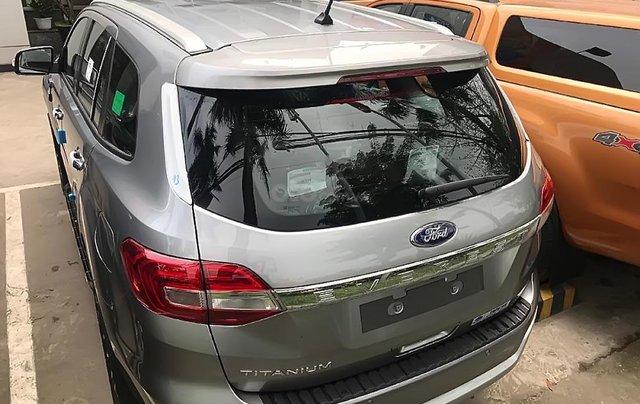 Cần bán Ford Everest Titanium 2.0L 4x2 AT 2019, màu bạc, xe nhập4