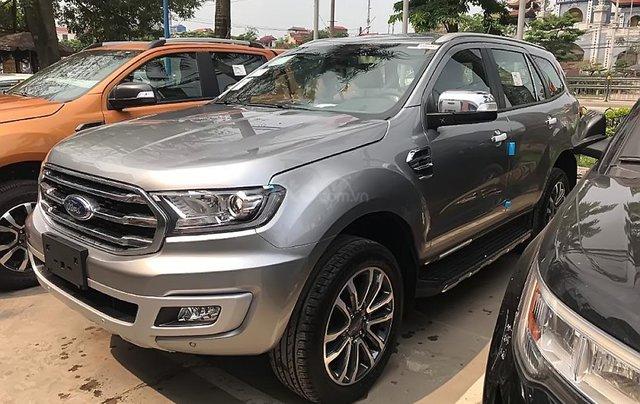 Cần bán Ford Everest Titanium 2.0L 4x2 AT 2019, màu bạc, xe nhập2