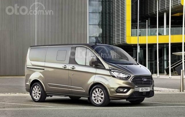 Ford Tourneo 2019 sắp ra mắt Việt Nam5