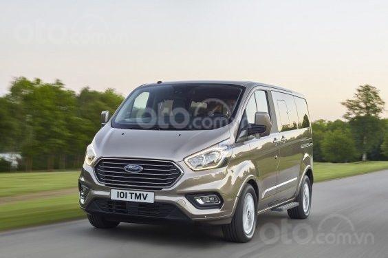 Ford Tourneo 2019 sắp ra mắt Việt Nam3