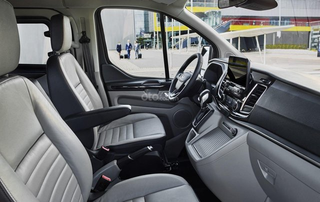 Ford Tourneo 2019 sắp ra mắt Việt Nam12