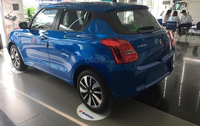 Bán xe Suzuki Swift GLX 1.2 AT sản xuất 2019, màu xanh lam, xe nhập1