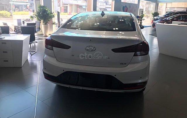 Bán ô tô Hyundai Elantra 1.6 AT đời 2019, màu trắng, giá tốt2