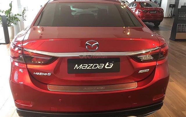 Bán xe Mazda 6 2.0L sản xuất 2019, màu đỏ0