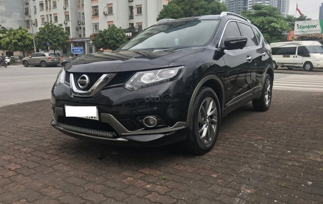 [Tín Thành Auto] bán Nissan X Trail 2.5 Premium 2017, màu đen0