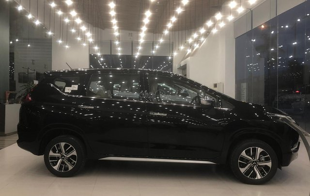 Bán Mitsubishi Xpander GLS năm sản xuất 2019, màu đen, nhập khẩu3