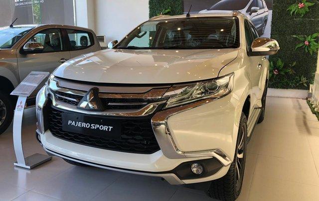 Cần bán xe Mitsubishi Pajero Sport GLS AT sản xuất năm 2019, màu trắng0