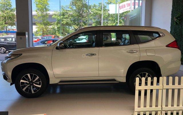 Cần bán xe Mitsubishi Pajero Sport GLS AT sản xuất năm 2019, màu trắng1