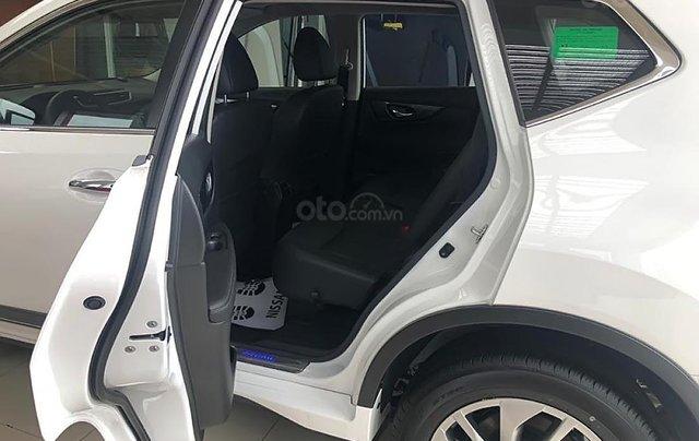 Cần bán Nissan X trail V Series 2.5 SV Luxury 4WD năm sản xuất 2019, màu trắng, giá 963tr2