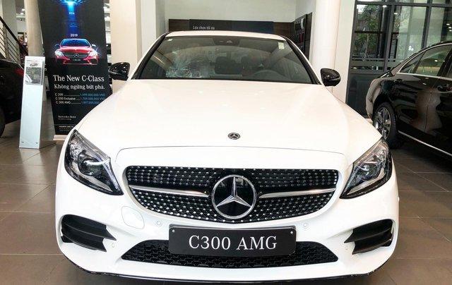 Bán Mercedes C300 AMG 2020, giao ngay giá ưu đãi lớn nhất, mua xe chỉ với 399tr1