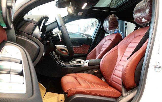 Bán Mercedes C300 AMG 2020, giao ngay giá ưu đãi lớn nhất, mua xe chỉ với 399tr2