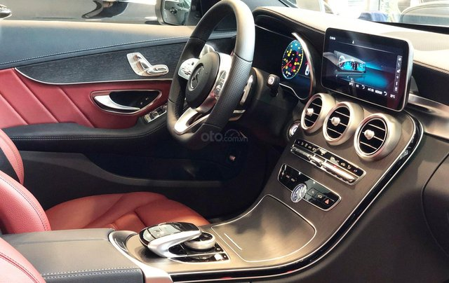 Bán Mercedes C300 AMG 2020, giao ngay giá ưu đãi lớn nhất, mua xe chỉ với 399tr3