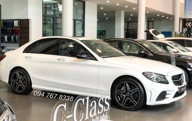 Bán Mercedes C300 AMG 2020, giao ngay giá ưu đãi lớn nhất, mua xe chỉ với 399tr5
