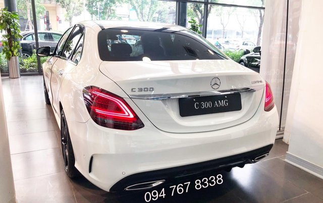 Bán Mercedes C300 AMG 2020, giao ngay giá ưu đãi lớn nhất, mua xe chỉ với 399tr7