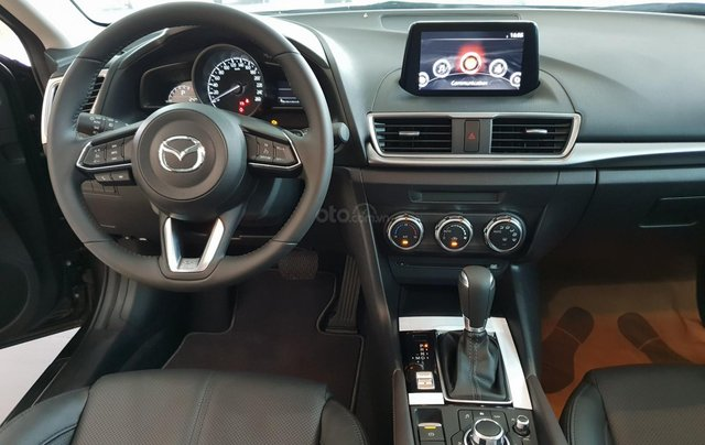 Bán Mazda 3 2019, miễn phí thay nhớt bảo dưỡng 3 năm3