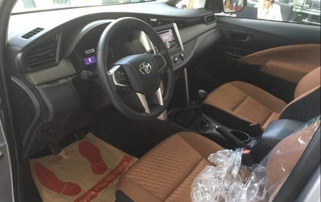 Cần bán xe Toyota Innova 2.0E năm 2019, 731tr4