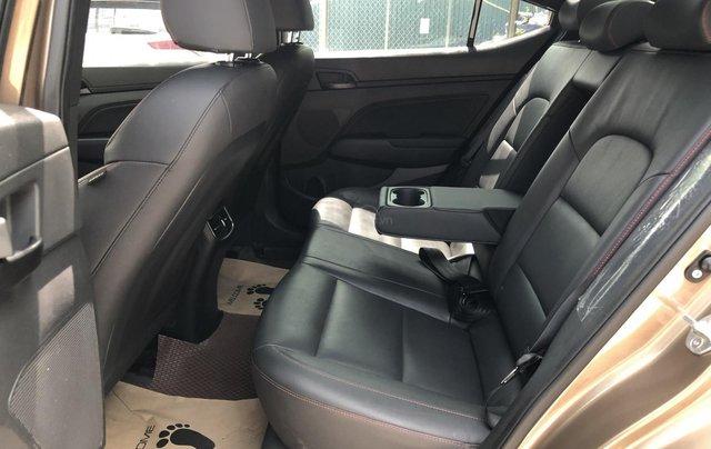 Cần bán Hyundai Elantra Tubor Sport 1.6 AT năm 2018, màu nâu4