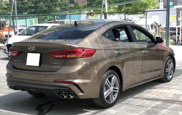 Cần bán Hyundai Elantra Tubor Sport 1.6 AT năm 2018, màu nâu10