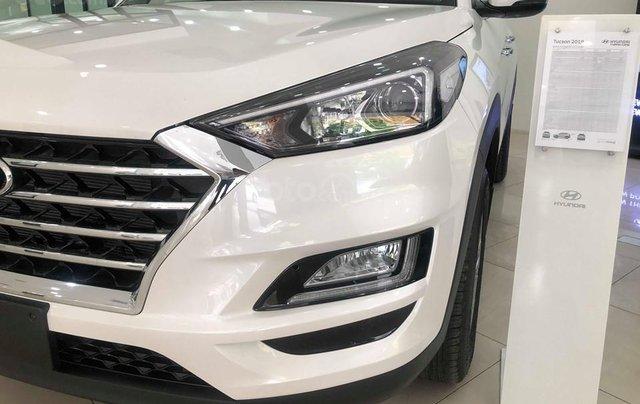 Bán Hyundai Tucson 2.0 tiêu chuẩn trắng 2019 - đủ màu, tặng 10-15 triệu - nhiều ưu đãi, LH: 09648989321