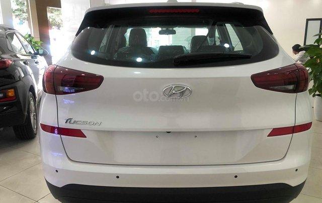 Bán Hyundai Tucson 2.0 tiêu chuẩn trắng 2019 - đủ màu, tặng 10-15 triệu - nhiều ưu đãi, LH: 09648989322