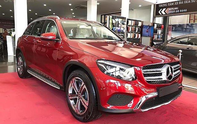 Bán Mercedes GLC 200 năm sản xuất 2019, màu đỏ1