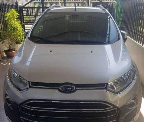 Cần bán Ford EcoSport sản xuất năm 2017, xe full options0