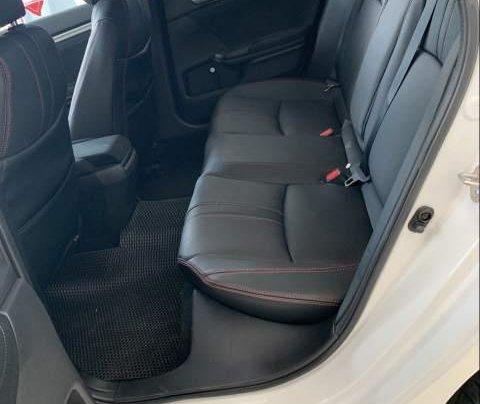 Bán ô tô Honda Civic đời 2019, màu trắng, nhập khẩu nguyên chiếc4