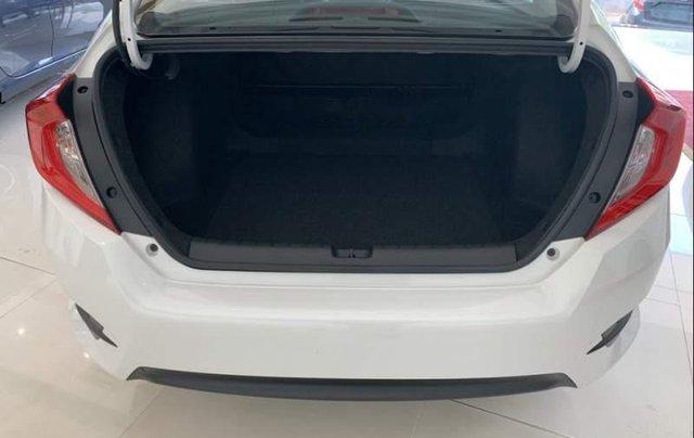 Bán ô tô Honda Civic đời 2019, màu trắng, nhập khẩu nguyên chiếc5