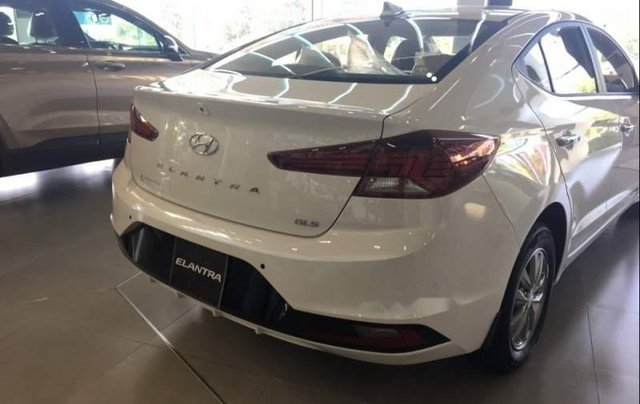 Cần bán Hyundai Elantra 1.6MT năm sản xuất 2019 giá cạnh tranh1