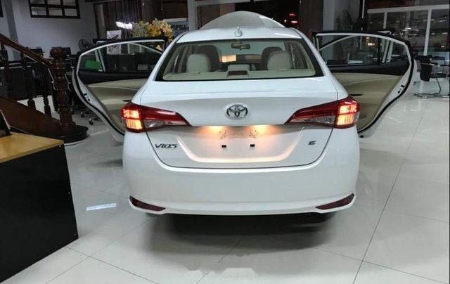 Bán Toyota Vios đời 2019, màu trắng, 490 triệu2