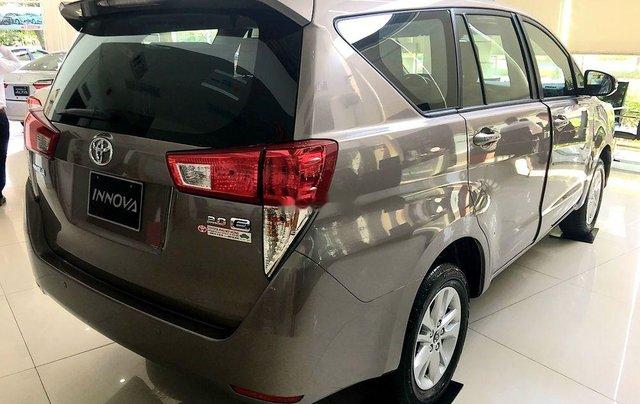 Bán ô tô Toyota Innova sản xuất 2019, màu nâu, 731 triệu4
