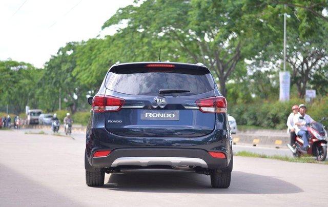 Cần bán xe Kia Rondo 2.0L MT sản xuất năm 2019, giá thấp, giao nhanh2