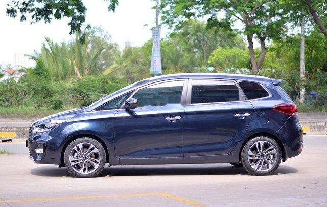 Cần bán xe Kia Rondo 2.0L MT sản xuất năm 2019, giá thấp, giao nhanh1