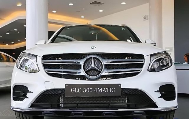 Bán Mercedes GLC 300 4MATIC sản xuất 2019, màu trắng1