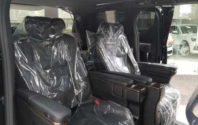 Cần bán Toyota Alphard sản xuất 2019, màu đen, nhập khẩu10