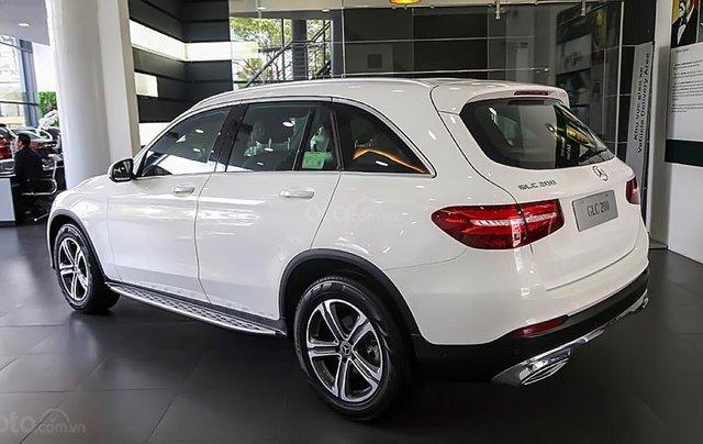 Bán Mercedes GLC 200 2019, màu trắng1