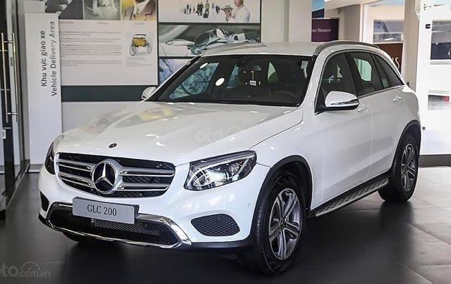 Bán Mercedes GLC 200 2019, màu trắng0