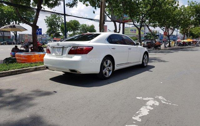 Bán xe lexus LS460L sản xuất 2010 màu trắng, 5 ghế có matxa, rada, nâng hạ gầm2