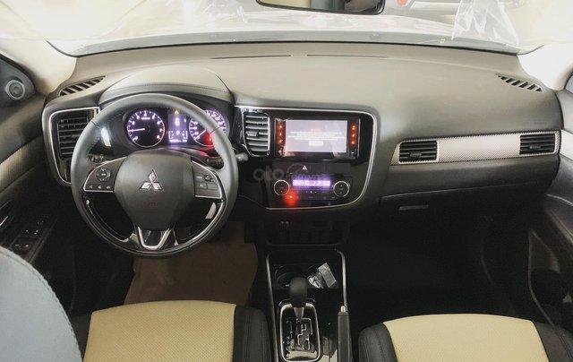 Bán Mitsubishi Outlander 2019, giá tốt Sài Gòn3