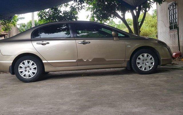 Cần bán lại xe Honda Civic đời 2010, màu vàng còn mới0