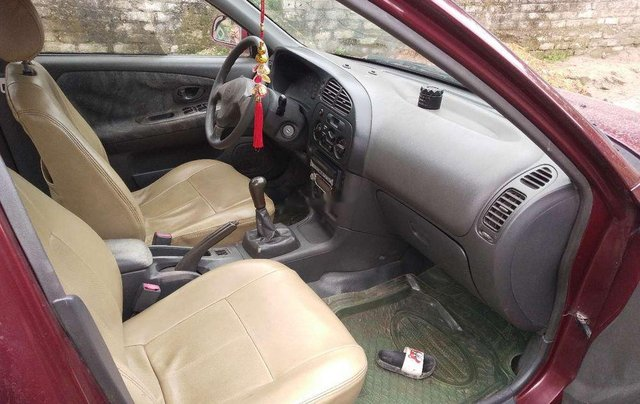 Cần bán lại xe Mitsubishi Lancer sản xuất 2001, màu đỏ, xe nhập2