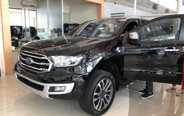Cần bán Ford Everest Titanium năm sản xuất 2019, xe nhập2